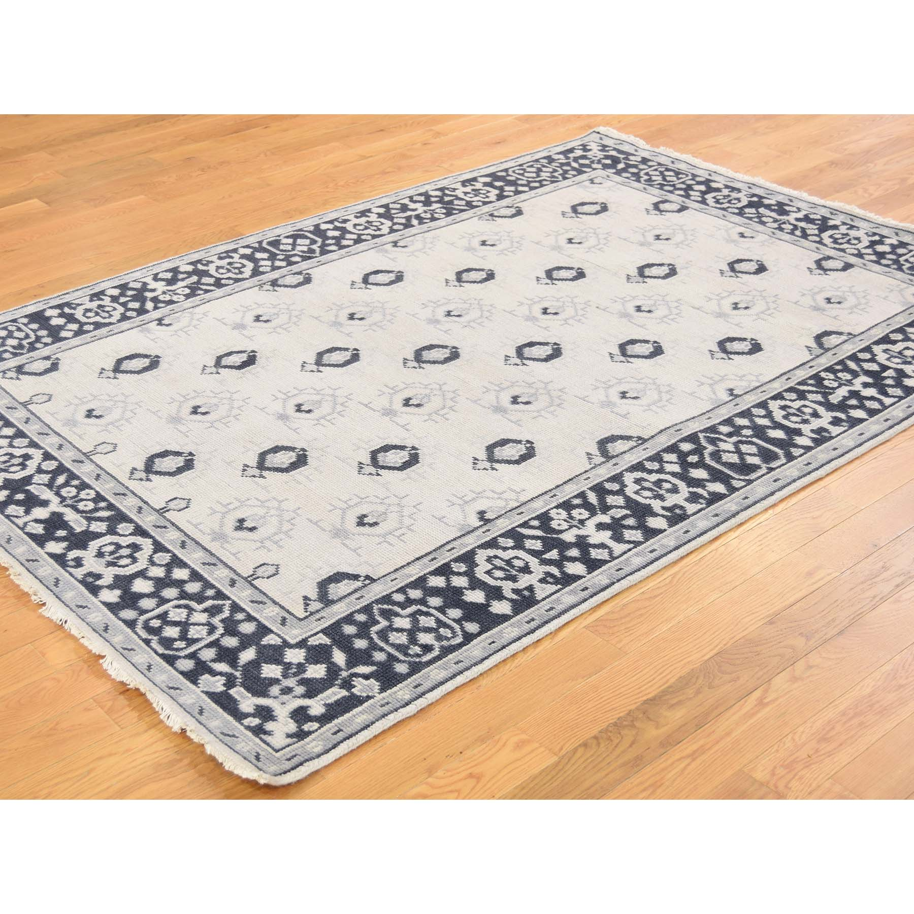 5'1''x7'1'' Hand Woven Turkish Knot Oushak Ivory Pure Wool Oriental Rug
