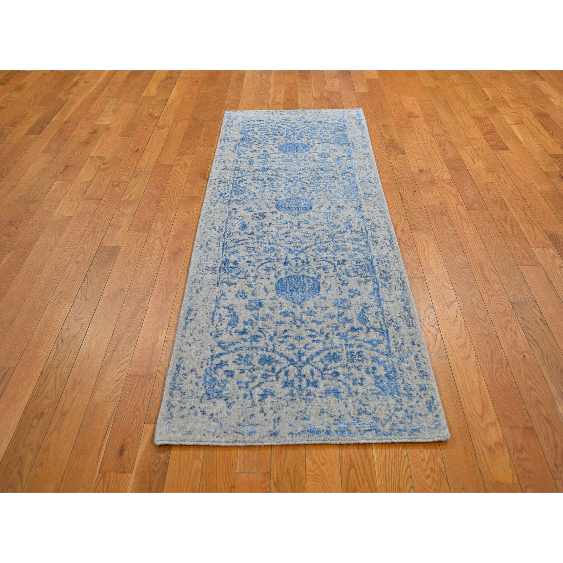 "2'5""x7'9"" Blue Jacquard Hand Loomed Wool and Art Silk Pomegranate Design Runner Oriental Rug"