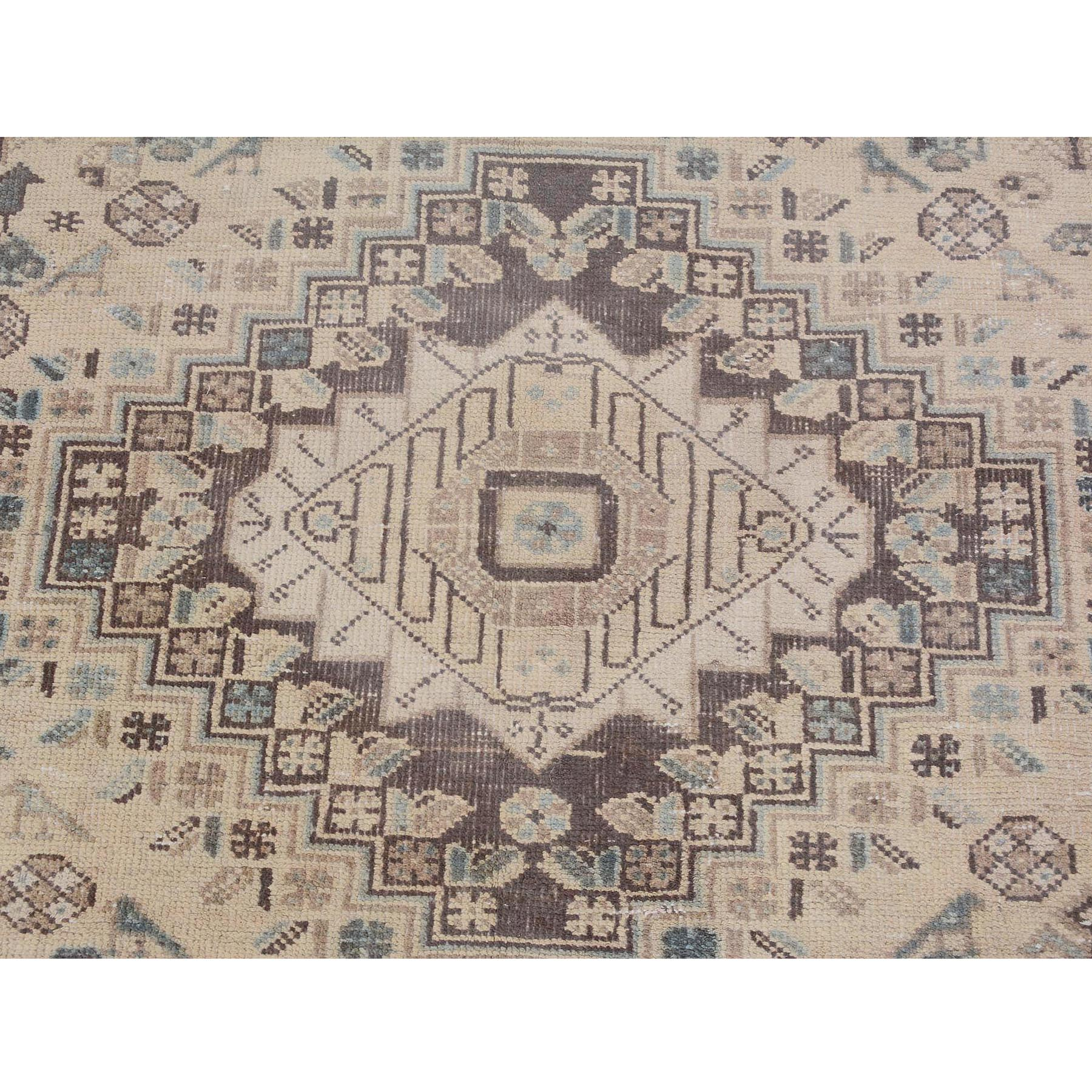 "6'7""x10'9"" Ivory Vintage and Worn Down Persian Shiraz Pure Wool Hand Woven Oriental Rug"